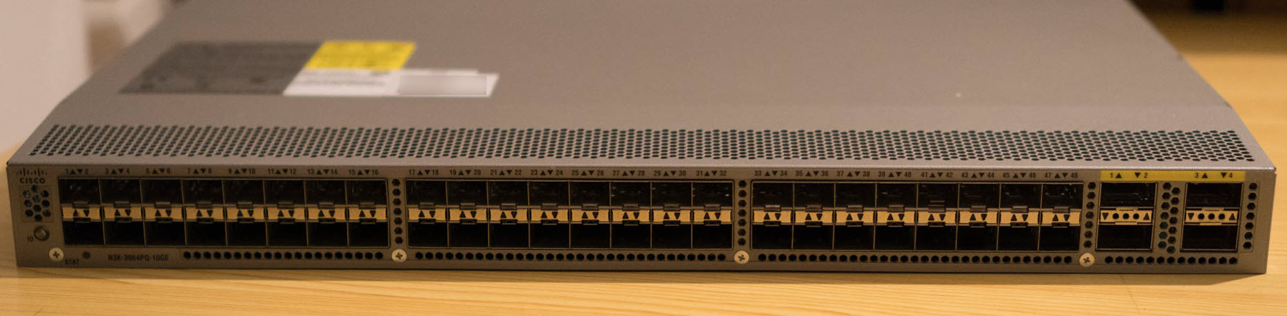 Cisco Nexus 3064PQ-10GE (48x SFP+ & 4x QSFP+)